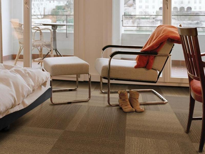 חיפויי רצפה בצבעים שונים