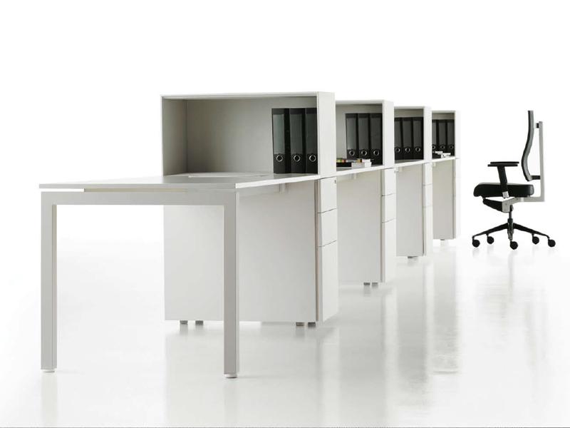 שולחן עבודה - ריהוט משרדי יוקרתי