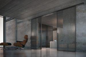 דלתות הזזה זכוכית עם מסגרת אלומיניום, חיפוי שיש בקירות