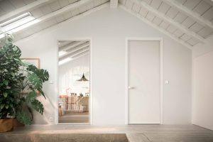 דלתות פתיחה זכוכית- לבנה