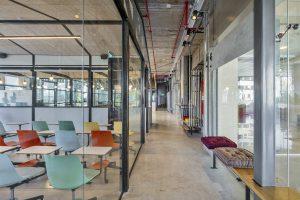 עיצוב משרדי חברת OpenValley - מחיצות וריהוט: אינובייט
